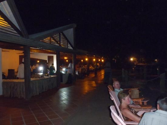 Galley Bay Resort: The Sea Grape/boardwalk at night