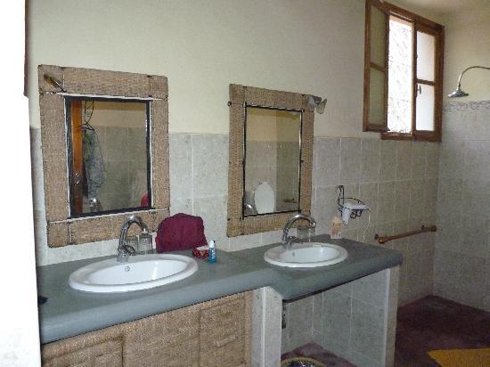 Dar Souilha: salle de bain chambre Zagora