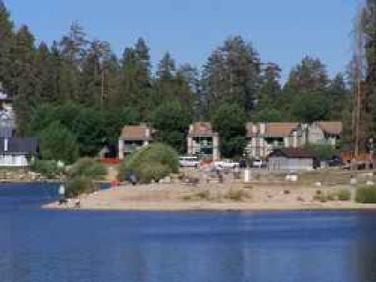 Boulder Creek Resort: Boulder Bay Condos and Lake