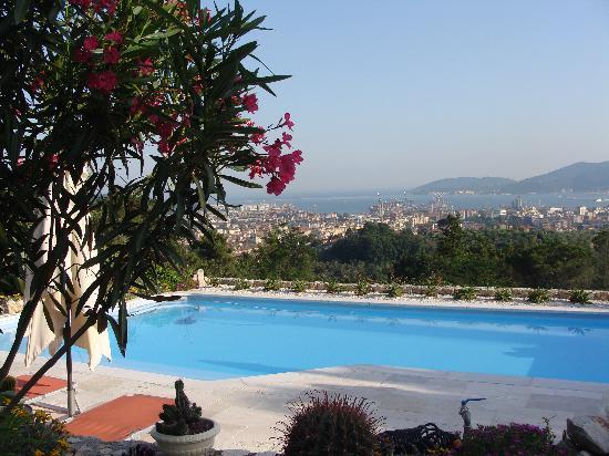 B&B Villa Amaranta - Cinque Terre: La Spézia de jour