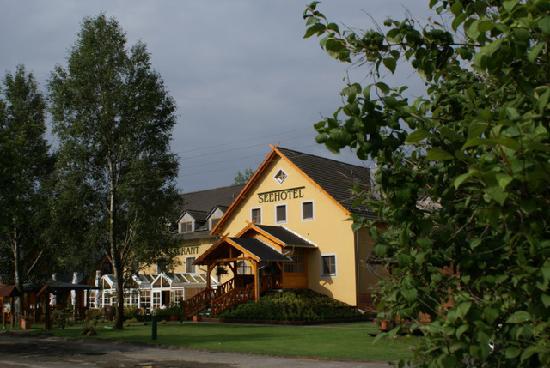 Seehotel Burg im Spreewald: Main building