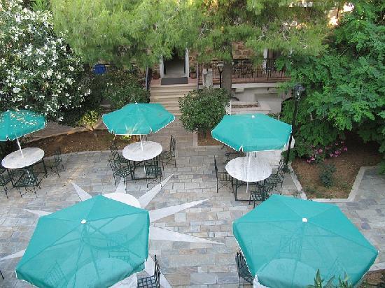 Grecian Castle Hotel: terrace
