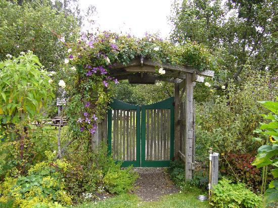 Gate to Vegetable Garden - Picture of Mendocino Coast Botanical ...