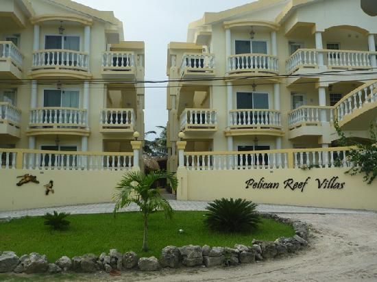 Pelican Reef Villas Resort : Front of the Villas.