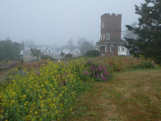 Fort Worden: Castle in the morning fog