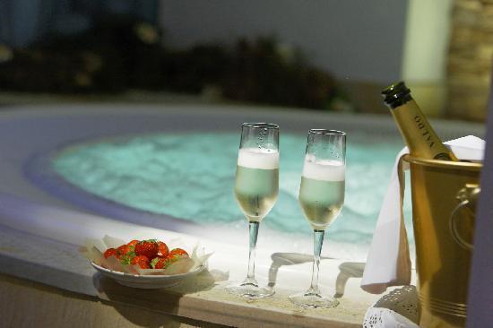 Hotel La Stoa: Whirlpool