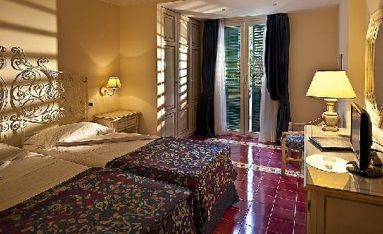 Grand Hotel Excelsior: standard room