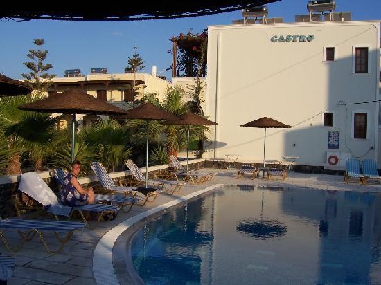 Castro Hotel Kamari: Hotel mit Pool