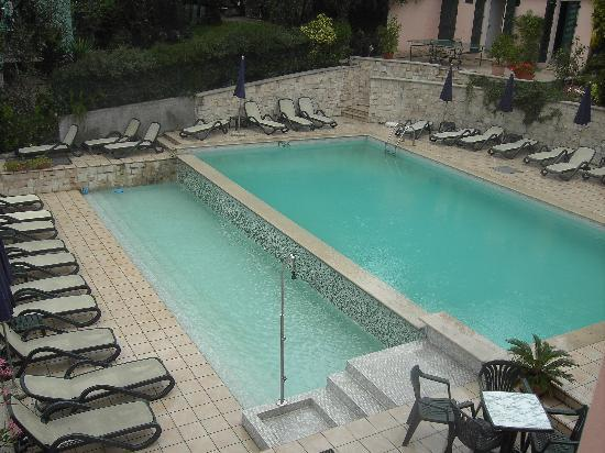 Hotel Antonella: the pool