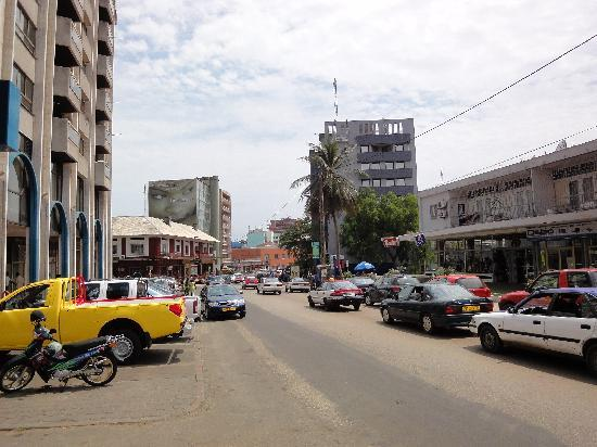 Libreville, Gabon: Straßenbild