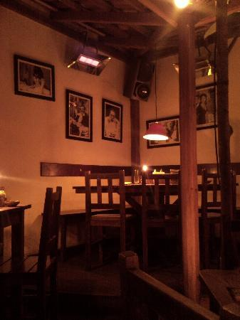 Joy Ride Café: Sala de la primera planta
