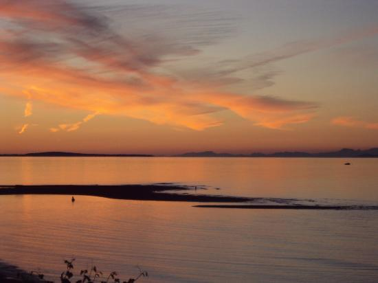 Qualicum Beach House: Qualicum Beach sunset