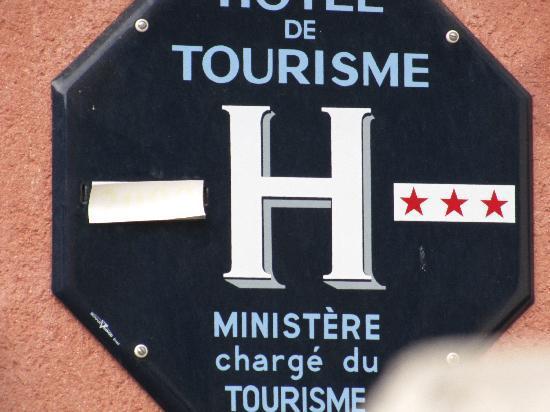 L'Hostellerie de Rennes-les-Bains: publicité mensongère (3 étoiles affichées, mais il n'y a pas le macaron 2010)