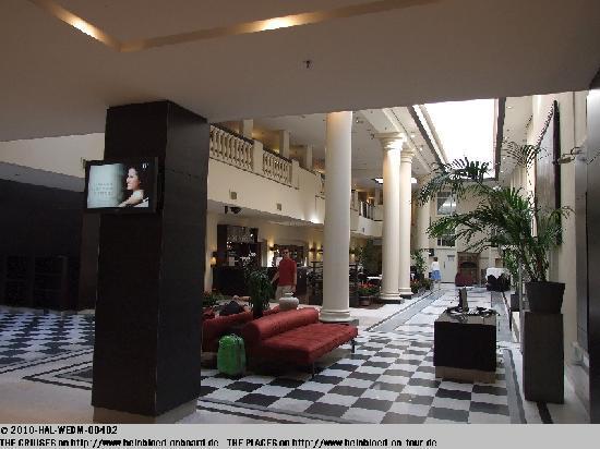 NH Collection Amsterdam Barbizon Palace: Lobby war schon schön... und vielleicht auch 5*