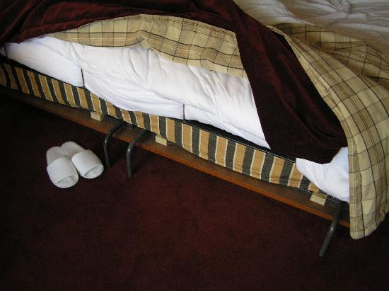 Bilderberg Hotel 't Speulderbos : out-dated folding bed