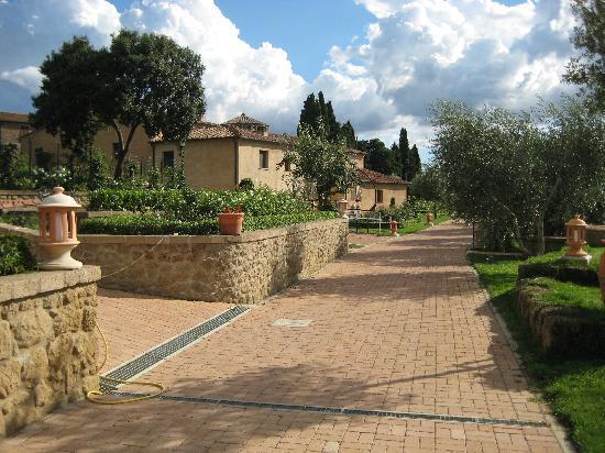 Sovana Hotel & Resort: Hotel Gartenseite II