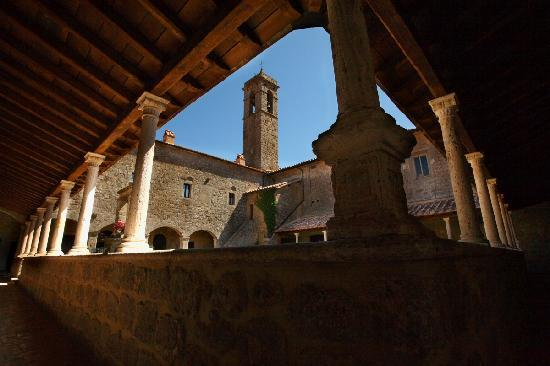 Il Chiostro del Convento San Bartolomeo