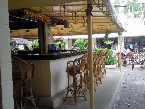 Oasis Guesthouse & Bar : oasis bar