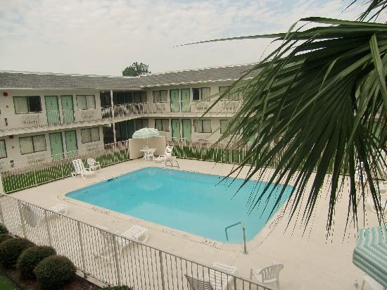 "Rodeway Inn & Suites: Piscine de l""hotel"