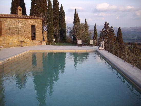 Castello Banfi - Il Borgo: Piscina