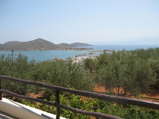 Elounda Heights Apartments and Studios: Day view from pool