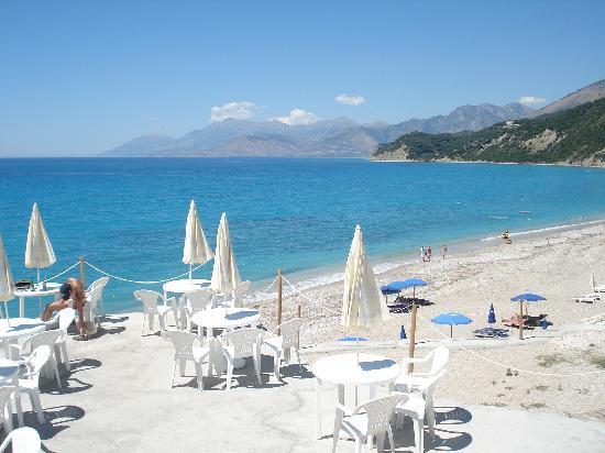 Hotel Palace Lukova : bar des hotels am strand
