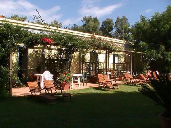 Albergo Solcalante : Camere che affacciano sul giardino