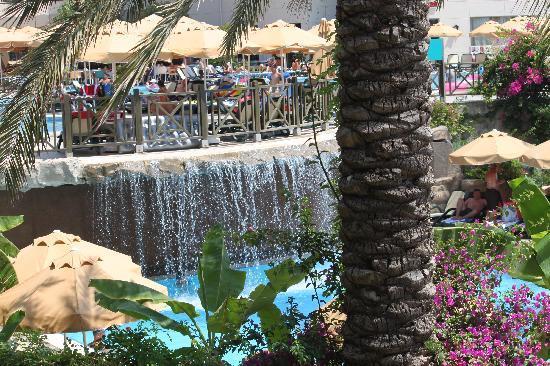 Novum Garden Side: Wasserfall