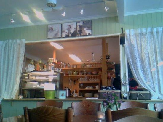 Linahagen Cafe: Counter