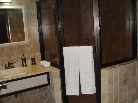Hotel Ladera: Beautiful bathroom
