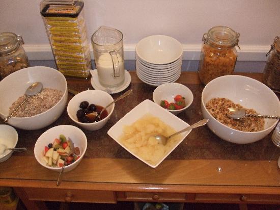 Southcliffe: Breakfast table