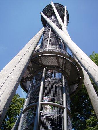 Schlossberg : Aussichtsturm - unbedingt besteigen!