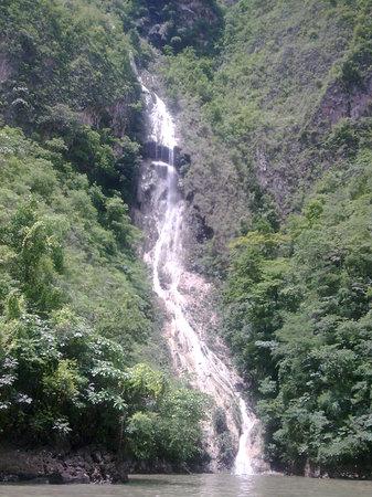 Sumidero Ecotourism Park: Cañón del Sumidero. Chiapas. Mexico. Velo de Novia