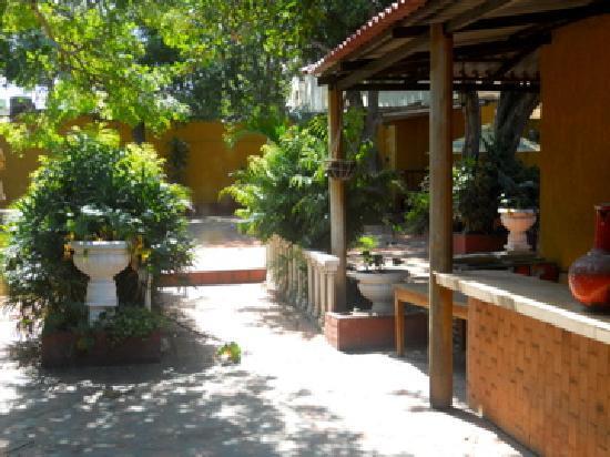 Patio tropical picture of restaurante el tinajero for Margarita saieh barranquilla cra 53