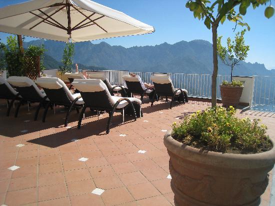 Hotel Villa Fraulo: sundeck