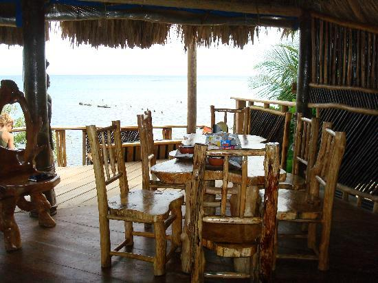 Tranquilseas Eco Lodge and Dive Center: Where we ate breakfast and dinner everyday.
