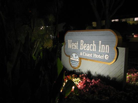 West Beach Inn: Night shot