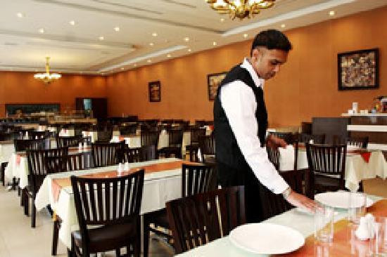 Pinnacle Hotel: eatery arena...