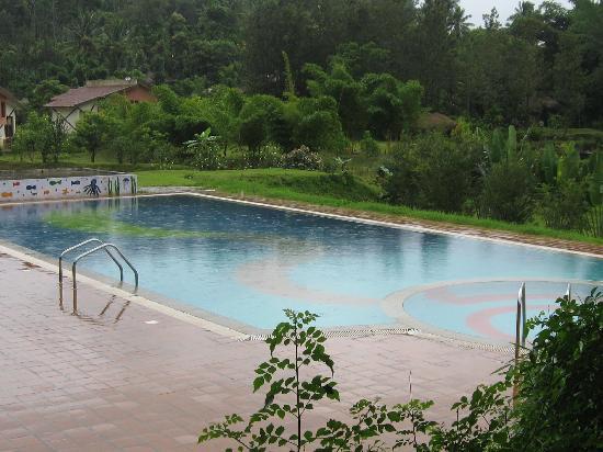 Ammathi, India: pool