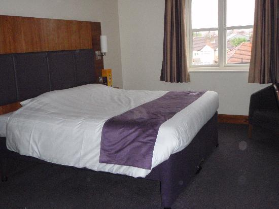 Premier Inn London Edgware Hotel: Nice Kingsize bed