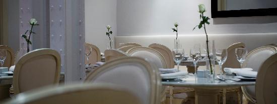 Maison Blanche Set Up Tables