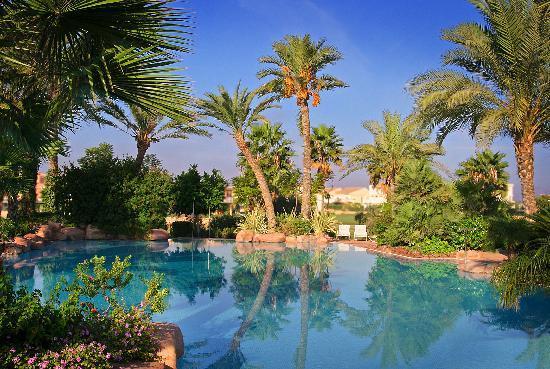 Piscina exterior picture of hotel alicante golf for Piscina alicante