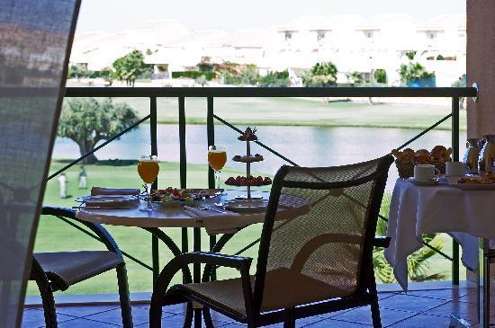 Hotel Alicante Golf: Terraza