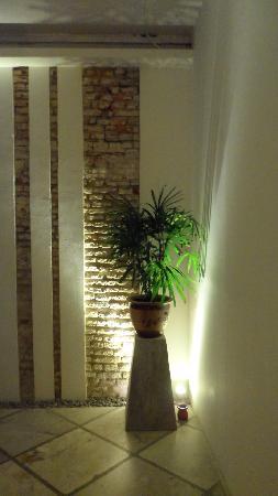 Courtyard @ Heeren Boutique Hotel: the corridor