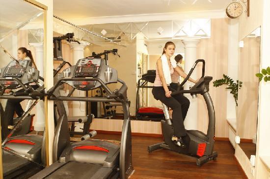 Imperial Hotel & Restaurant(former Ramada): gym