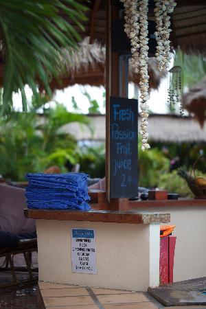 Beach Club Resort: Beach Club Swimming Pool Bar