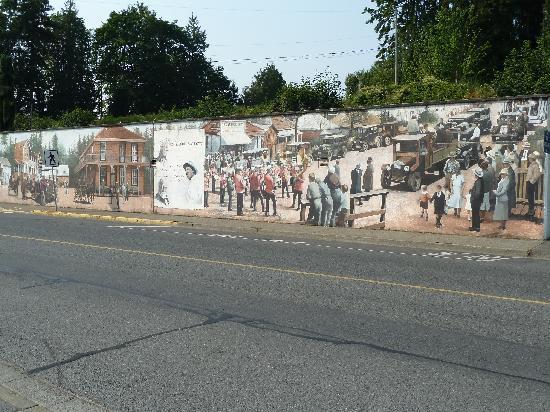 Chemainus Theatre: Murals1