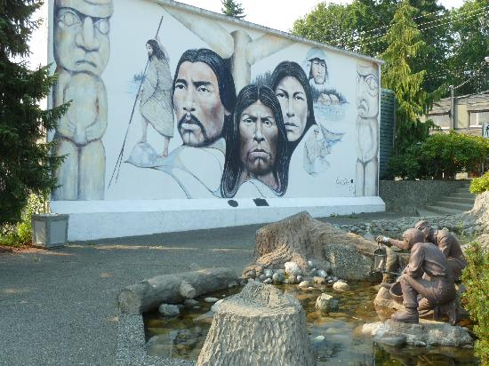 Chemainus Theatre: Murals3
