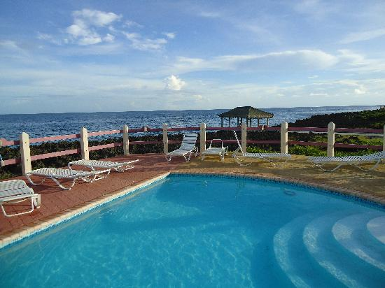 Seagrape Plantation Resort: una bonita piscina