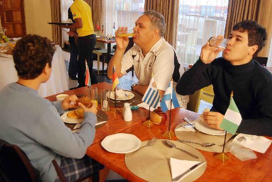 Olwandle Suite Hotel: Olwandle Guest At Breakfast